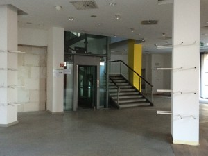 Wird diese Treppe bald einer Glastreppe weichen? Ist dies der neue Apple Store?